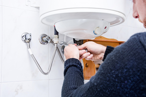 How Do Hot Water Heaters Work?